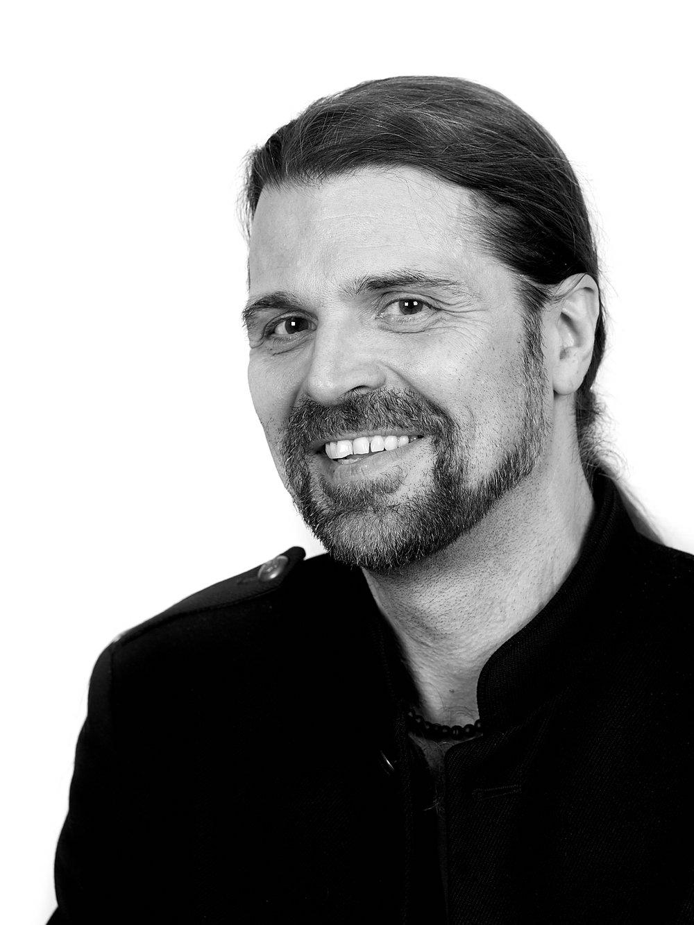 Daniel Vodusek - VD och Art DirectorADV Idé & Designdaniel@adv.se070-840 99 40