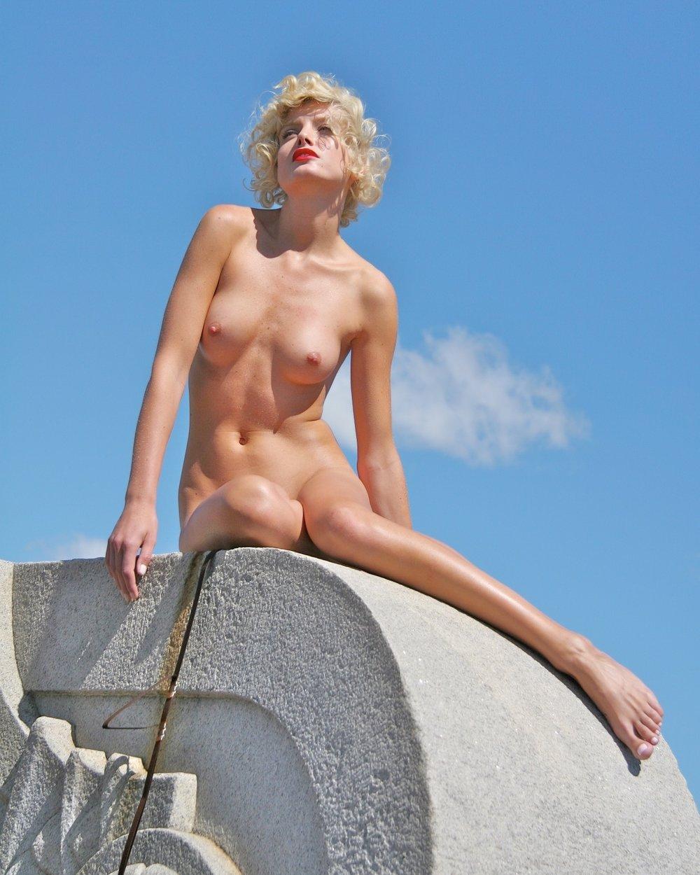 Beauty-Editorial 034 10-27-452007-07-01.jpg
