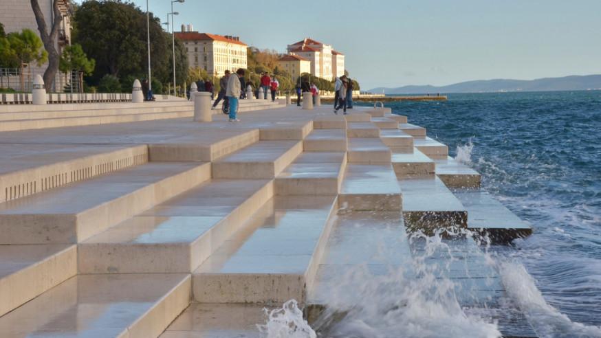 - Watertrappen aan de kust van Kroatië.