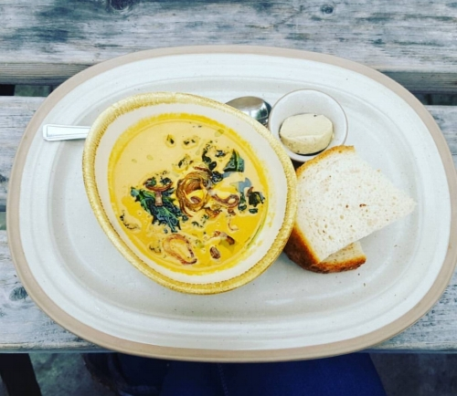 I had lobster bisque soup with soda bread and olive butter which was divine!