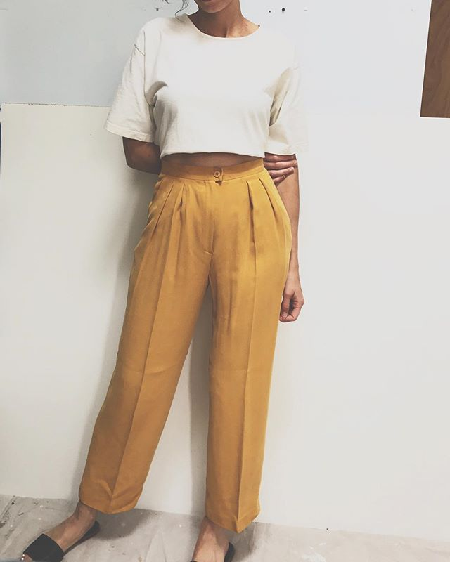 "Vintage 100% silk pants -high rise 13"" inseam - pleated - side pockets- beautiful condition $38 + shipping #vintage #silk #pants #vintagefashion #summer #modern #style #minimal #vintageclothing"
