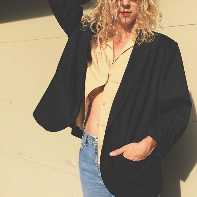 Vintage black blazer - worn oversized - size xl fits med-large depending on desired look $42 +shipping #vintageclothing #vintage #blazer #oversize #style #minimal #modern #wear #vintagefashion #mpls #vintageshop