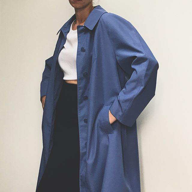 Vintage deep periwinkle blue trench - size 16 petite fits small-large depending on desired look. Excellent condition- beautiful color $52+shipping comment KEEP to purchase #vintageclothing #vintage #trench #minimal #style #modernsilhouettes #modern #wear #vintageshop #vintagefashion