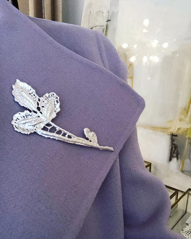 @gabriellejewelry flower brooch is a one of a kind piece for someone special! Who do you have that would love this...Mom? Grandmother? Sister? Mother in law? Aunt? #christmasishere #shoplocal #hilltopfavorite