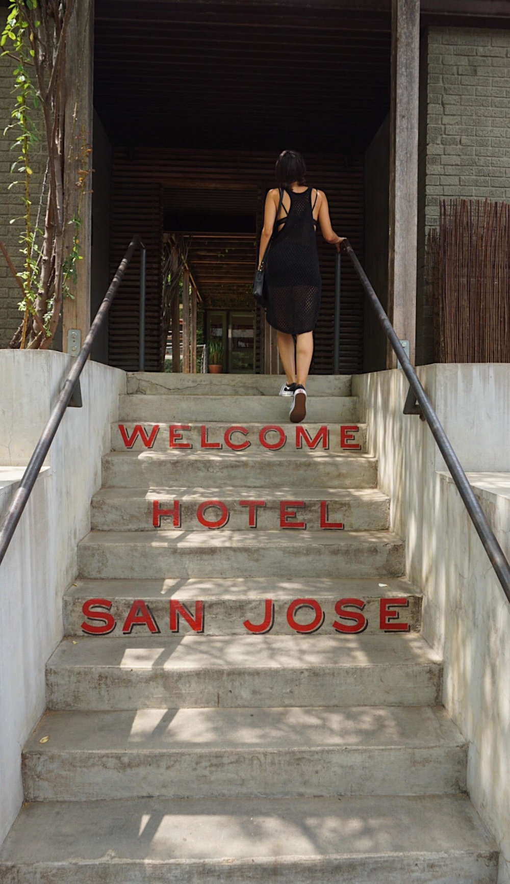 We had to stop at Hotel San Jose for some frose's, which is like a margarita but made with Rose' wine, so basically a wine slushie - lol. Mmmm....so good!