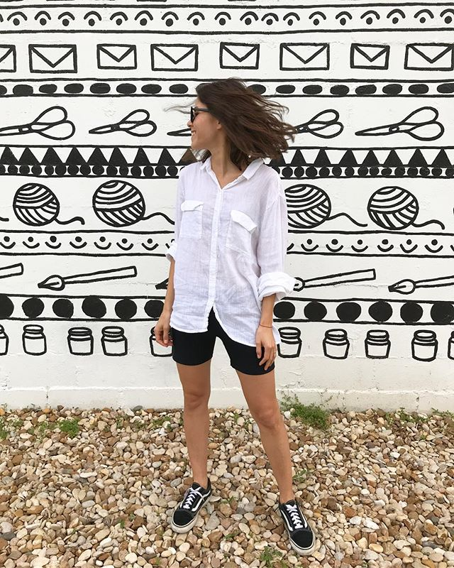 Bike shorts, they're so hot right now 🕶🤙🏼🚲 🍒 - - - - #saturday #bikeshorts #vans #myvans #blackandwhite #austin #austinlately #atx #mexico #mx #blogitmx #mextagram #huntgrammexico #ootd #ootdmagazine #ootdshare #lotd #look #lookoftheday #wiwt #fashion #style #styleinspo #fashioninspo #outfit #outfitoftheday #instagood #instadaily #instastyle #thespottedbannana