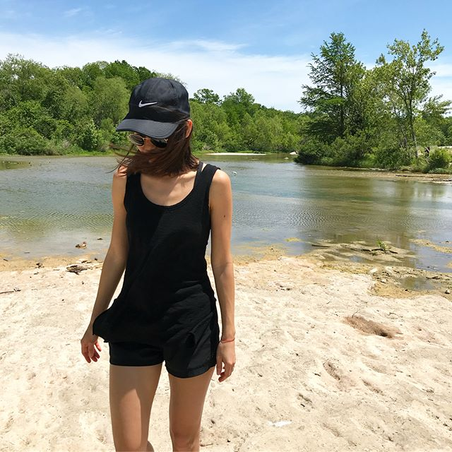 🌾sundaze🌾 - - - - #sunday #sundayfunday #sundayvibes #austin #atx #austintx #mexico #mx #mextagram #blogitmx #outdoors #doingthings #hiking #nature #naturephotography #iphonesia #iphoneography #ootd #ootdfashion #ootdshare #lookoftheday #lotd #wiwt #blackonblack #outfitinspo #style #styleblogger #austinlately #nike #thespottedbannana