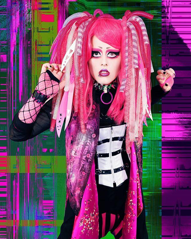 Endigo (v) @endigoskyborn ____________ BATAAR  NEW SINGLE & MUSIC VIDEO 「GHOSTMODERN[ism]」 RELEASE 2019.03.09 ____________ Photo & Styling: @emelielagerphoto Hair & Make-up: @lolikalou