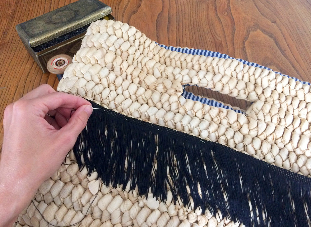 selfishwardrobe stylehack tassel bag