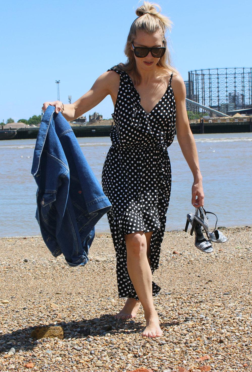 selfihwardrobe.com styling spotty Maje dress