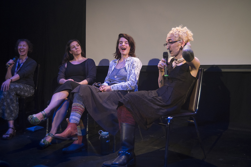 Dawn George chats with Lindsay McIntyre, Rena Thomas and Mel Mackay. Photo by Monika Gajewski.