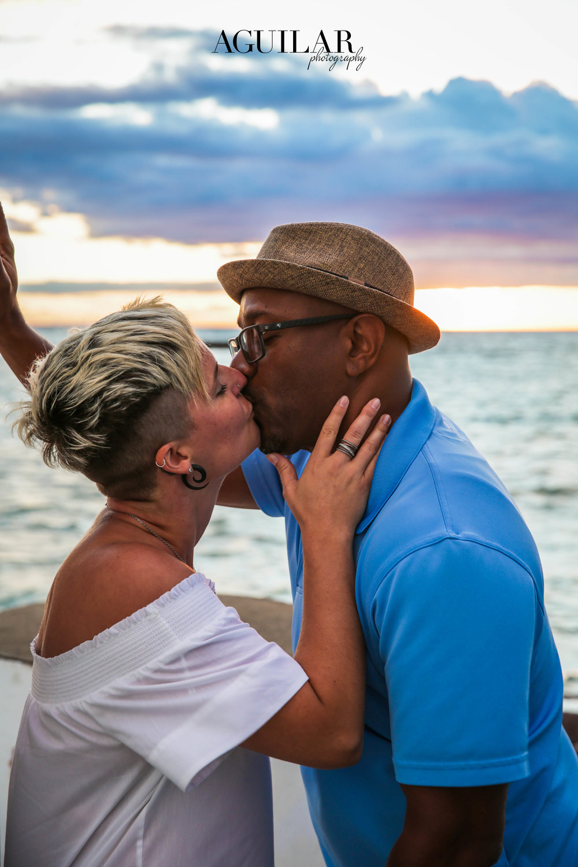 Sabine & Emmitt Kissing Photography