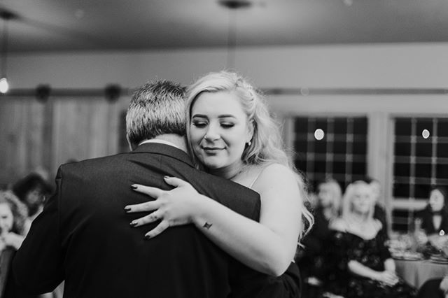 All the feels. . . .  #junebugweddings #photobugcommunity #greenweddingshoes #boiseweddingphotographer #boisephotographer #idahowedding #idahoweddingphotographer #idahophotographer #boiseidahophotographer #pnwweddingphotographer #pnwwedding #idweddingphotographer #idbride #pnwbride #pnwbrideandgroom #rockandrollbride #engagementphotos #theknot #weddingwire #weddings #weddings #lookslikefilm #bride2018 #bridetobe #engagedlife #engaged #rockymountainbride #inwwedding #applebrides