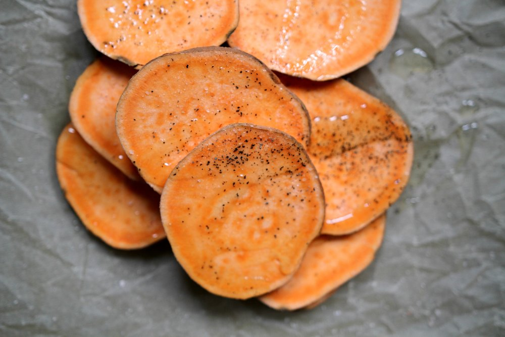 Sweet Potato Pizza, low card and delicious! Keto, paleo and 21 day fix friendly!