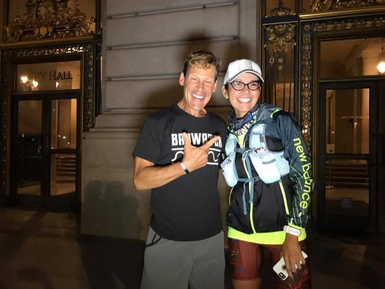 Sandy is joined by ultra star Dean Karnazes, former Race SLO Ambassador and Cal Poly SLO alum, at her San Francisco start.