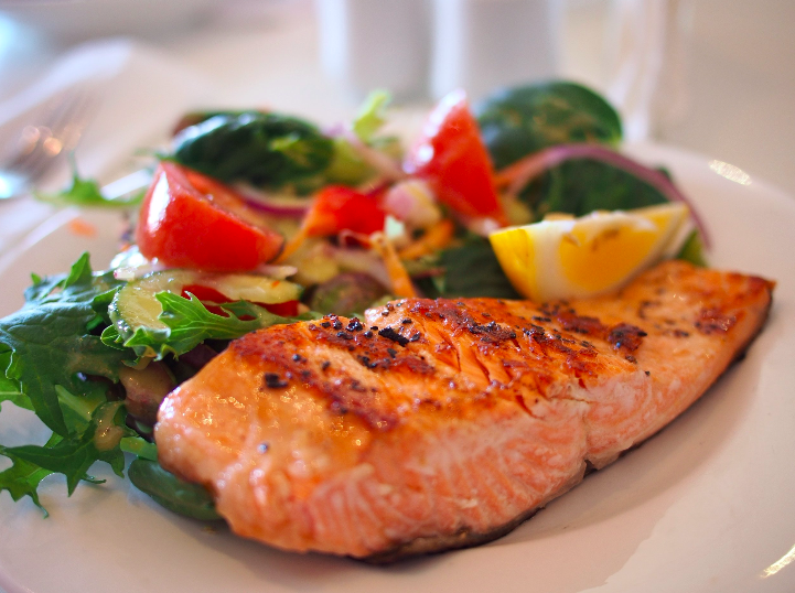 MELT-IN-YOUR-MOUTH GARLIC SALMON STEAKS