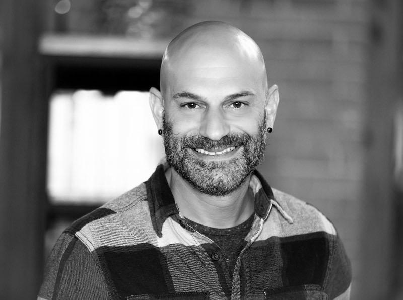 Michael J. DiQuinzio-Reis          Hair Professional
