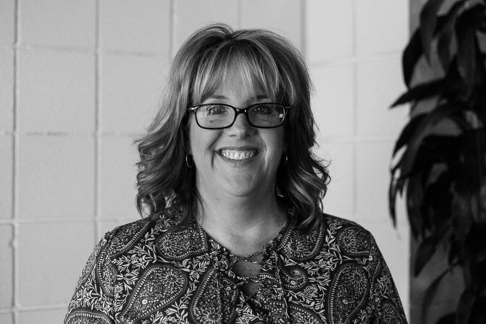 Kelly Frazier    Receptionist