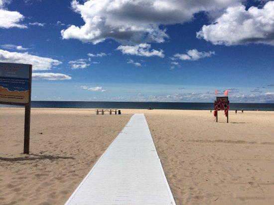 Pier Marquette Walkway