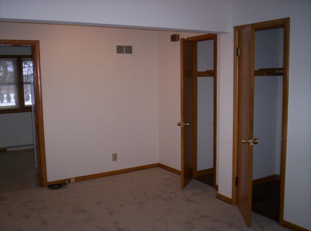 Howard Bedroom.JPG