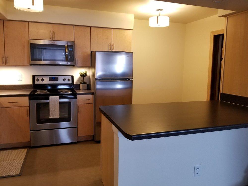 3939-805 kitchen 6.jpg