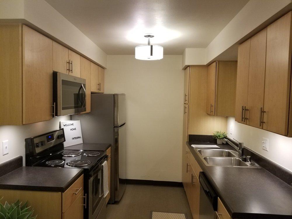 3939-803 kitchen 3.jpg