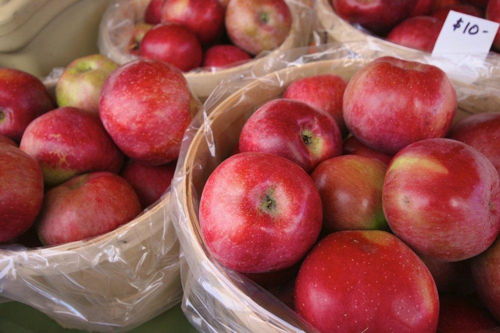 apples2.jpg