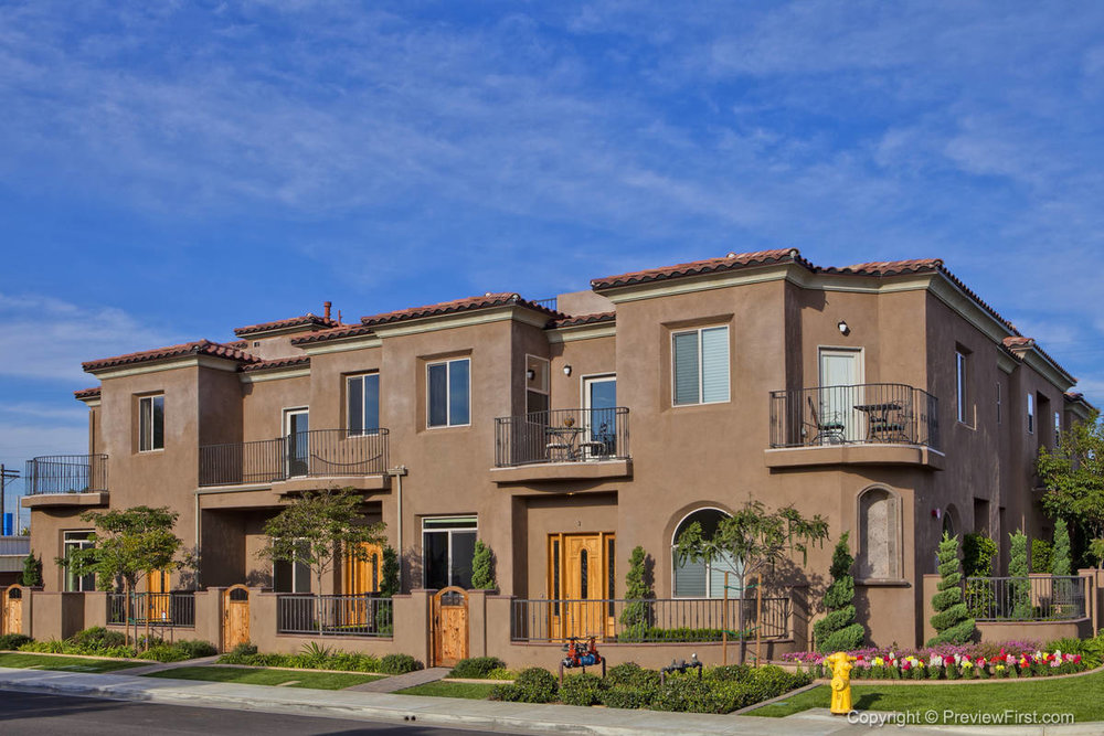 828 Cleveland StreetOceanside, CA - 4 Townhomes, 2,400 to 2,600 sq. ft., 3 bd., 2.5 ba