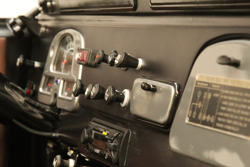 LegacyOverland_1985_ToyotaLandCruiser_BJ40_black_opentop_21.jpg