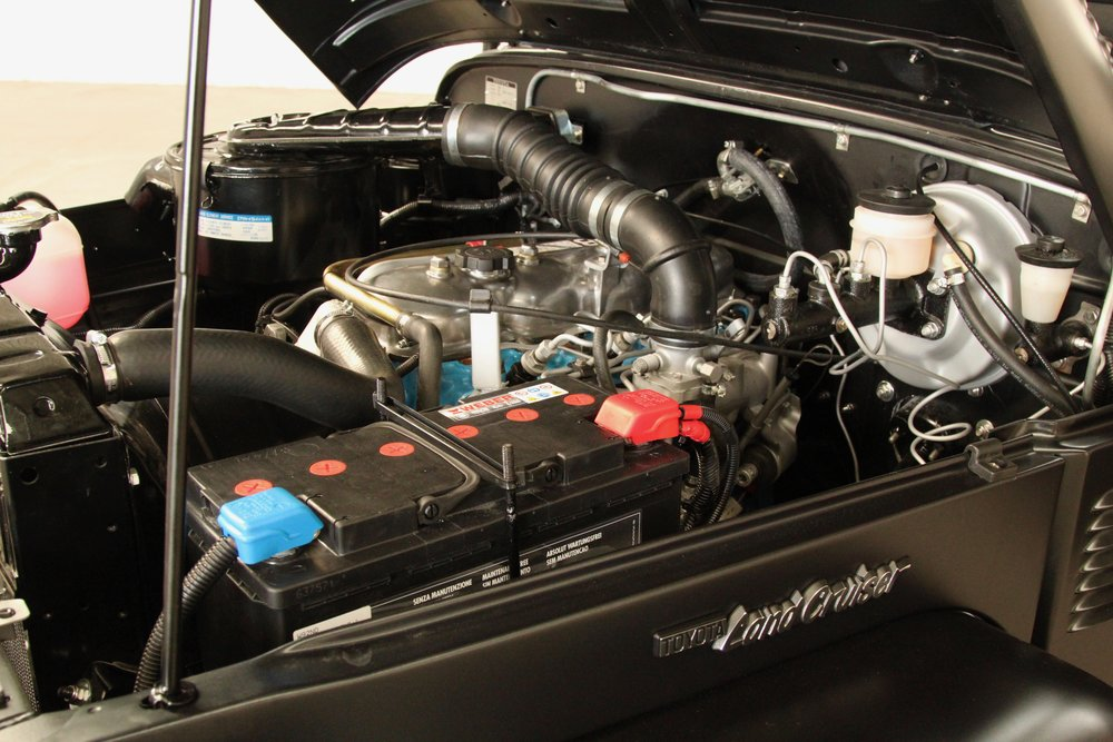 LegacyOverland_1985_ToyotaLandCruiser_BJ40_black_opentop_58.jpg