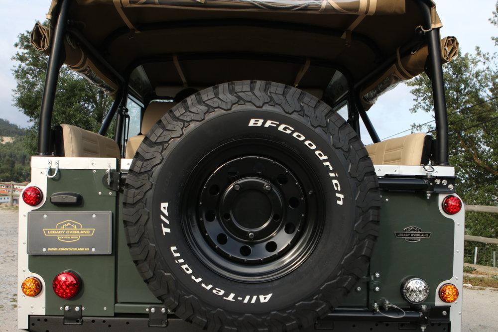 LegacyOverland_ProjKalahari_Defender90_car29.JPG