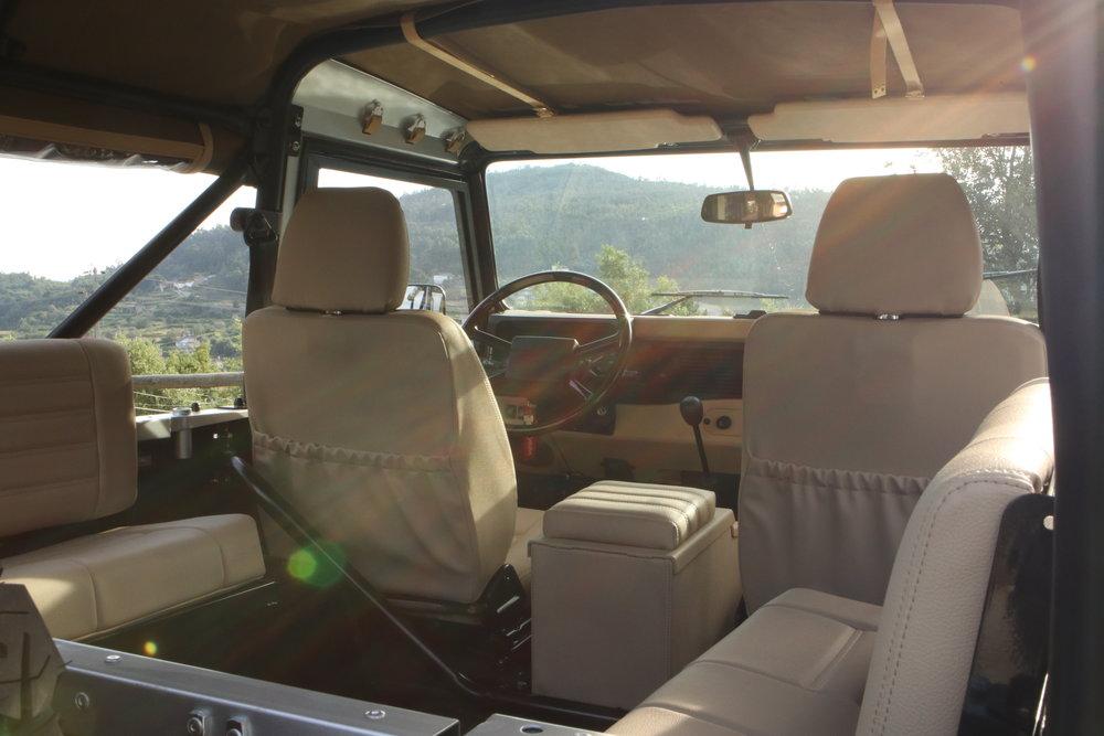 LegacyOverland_ProjKalahari_Defender90_car30.JPG