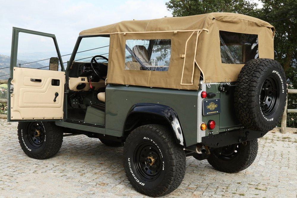 LegacyOverland_ProjKalahari_Defender90_car15.JPG