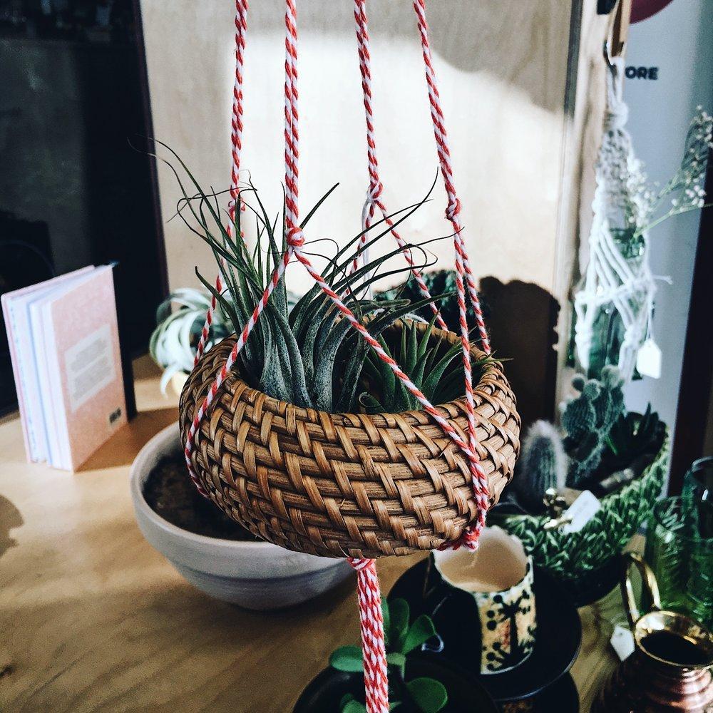 Vintage sea grass baskets bring a bohemian vibe