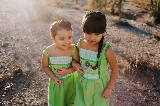 The sisters are some of the coolest, smartest little girls I know! And their bond is so beautiful! ❤️ Happy national siblings day! . . . #nationalsiblingsday #sisters #sisterlylove #xicanitas #indigenas #poderosas #childofig #arizonadesert #childhoodunplugged #phoenixphotographer #familyphotography
