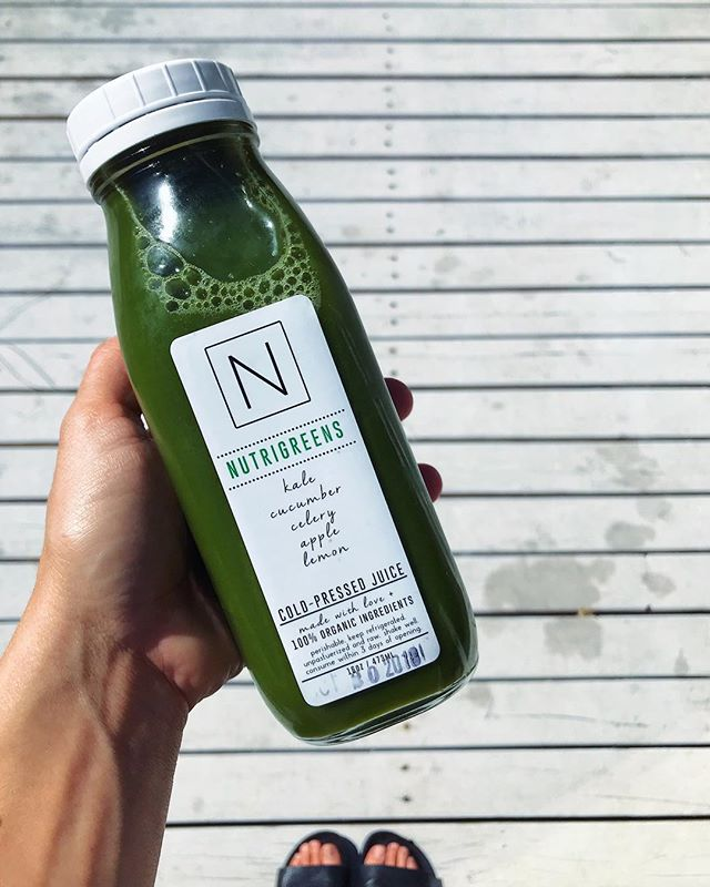 Mid-day slump? Try switching out that coffee for a fresh pressed juice. Not only will it give you the boost of nutrients your body is asking for...it'll give you clean, sustainable energy to help get you through the remainder of your day ☕️👉🏼🌱