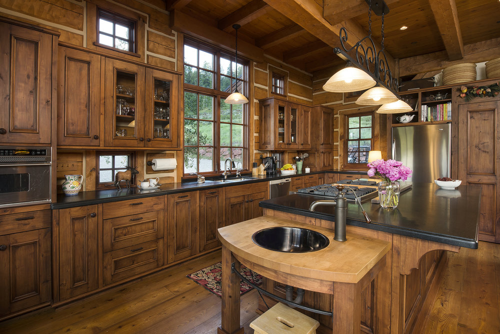 RedCreekTrailRanch_Kitchen2_resize.jpg