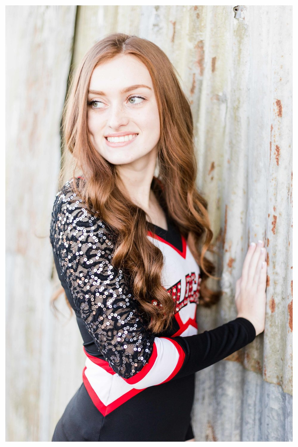 lillie_on_the_farm_senior_2018-46.jpg