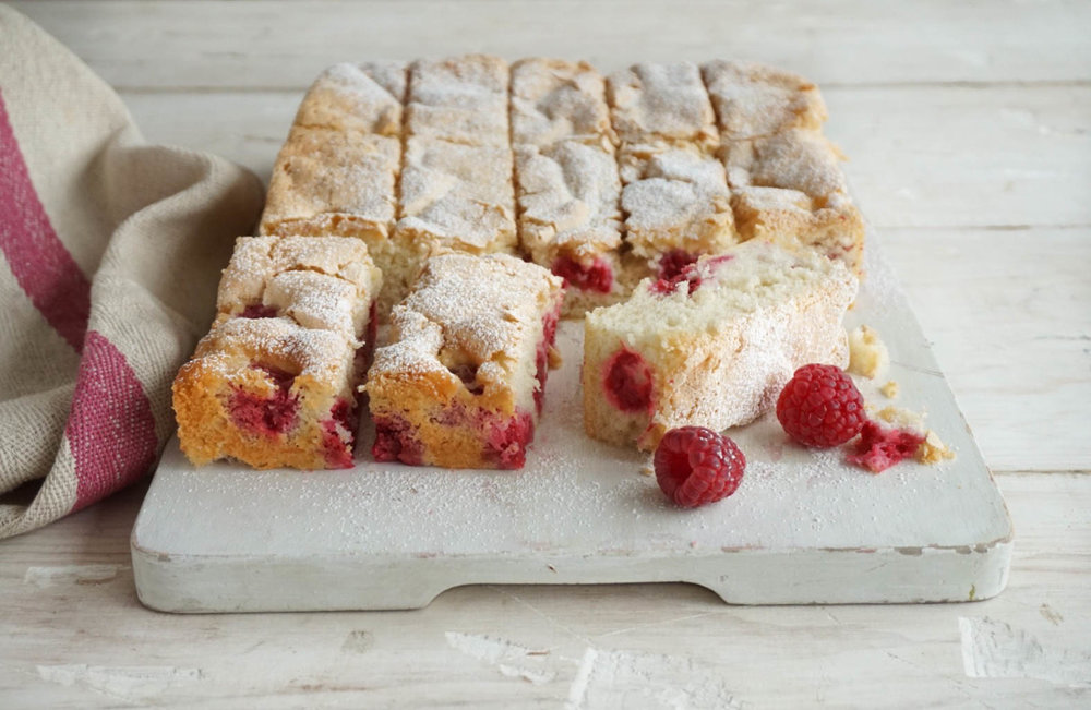 Food Photography Raspberry Tray Bake