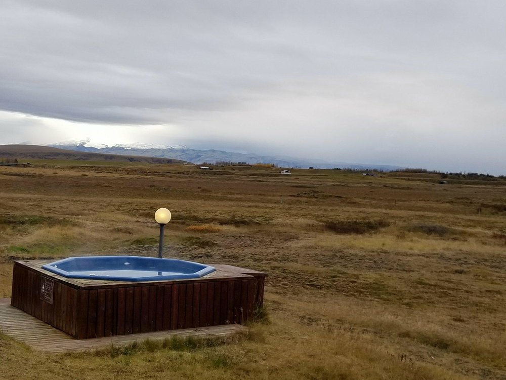 Hotel Ranga has multiple jacuzzis with water pumped from crevices in the earth.