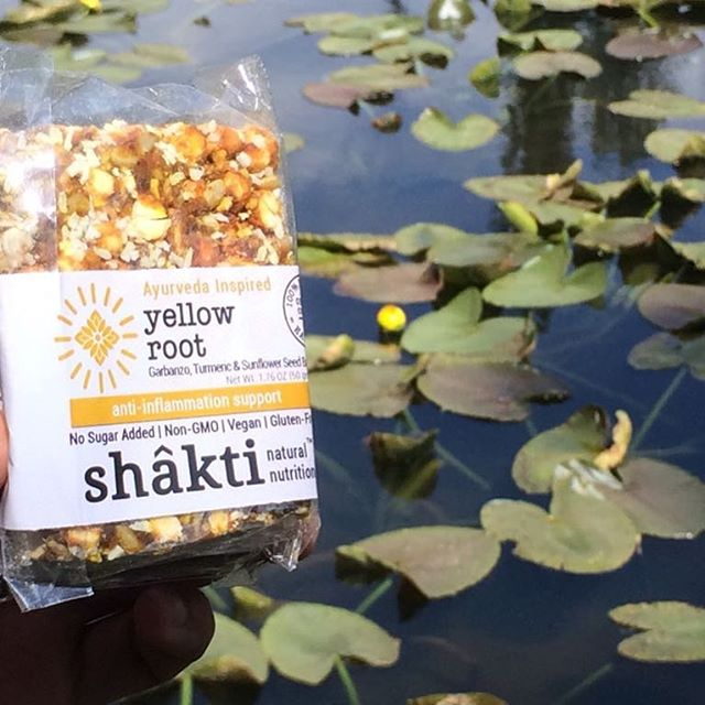 Let our lives bloom, like a Nalini 🌼 in sunshine!🌞🙏 #yellowwaterlily #tumeric #energybar #handmade #erewhonmarket #naturalfoods