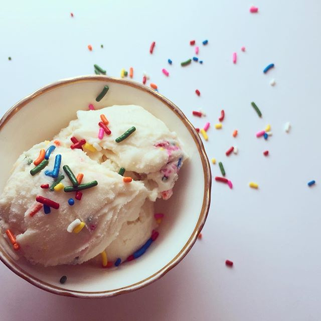 Starting next Tuesday we will have our delicious homemade ice cream 🍦sold by the scoop! We are also taking orders for Father's Day cakes, decorated sugar cookies, and macarons! Call or email us to place your order. . . . #tredicibakery #localbusiness #golocal #icecream #summer #sprinkles #realcream #homemade #batonrouge #love #bakery #hot #bakerylife #icecreamofinsta