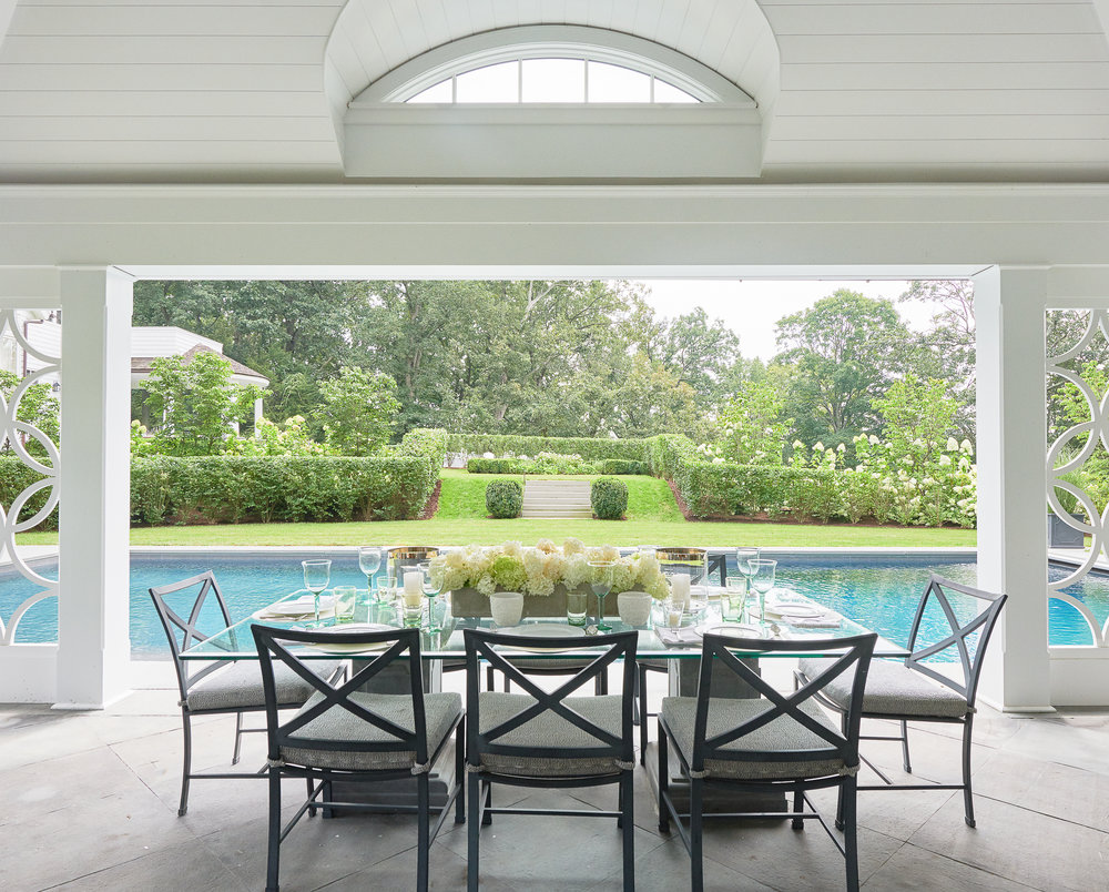 Hilderbrand-Interiors_Poolhouse-New-canaan-dining-©Jane Beiles-1808175031.jpg