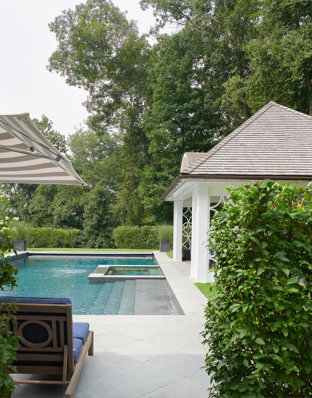 Hilderbrand-Interiors_Poolhouse-New-canaan-outdoor-living-©Jane Beiles-1808174975.jpg