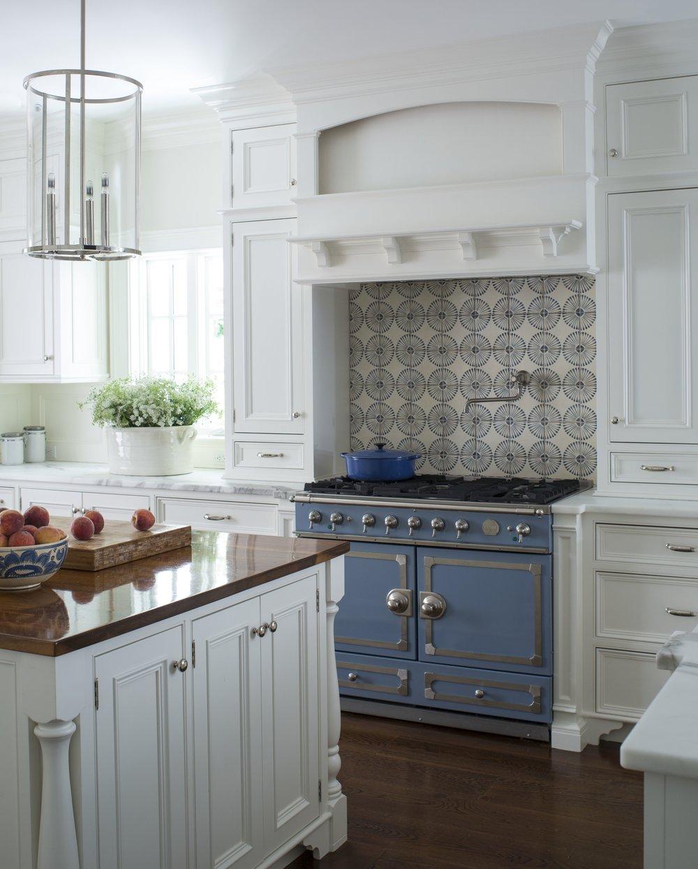 J_Hilderbrand-Interiors_Kitchen_Range_63407.jpg