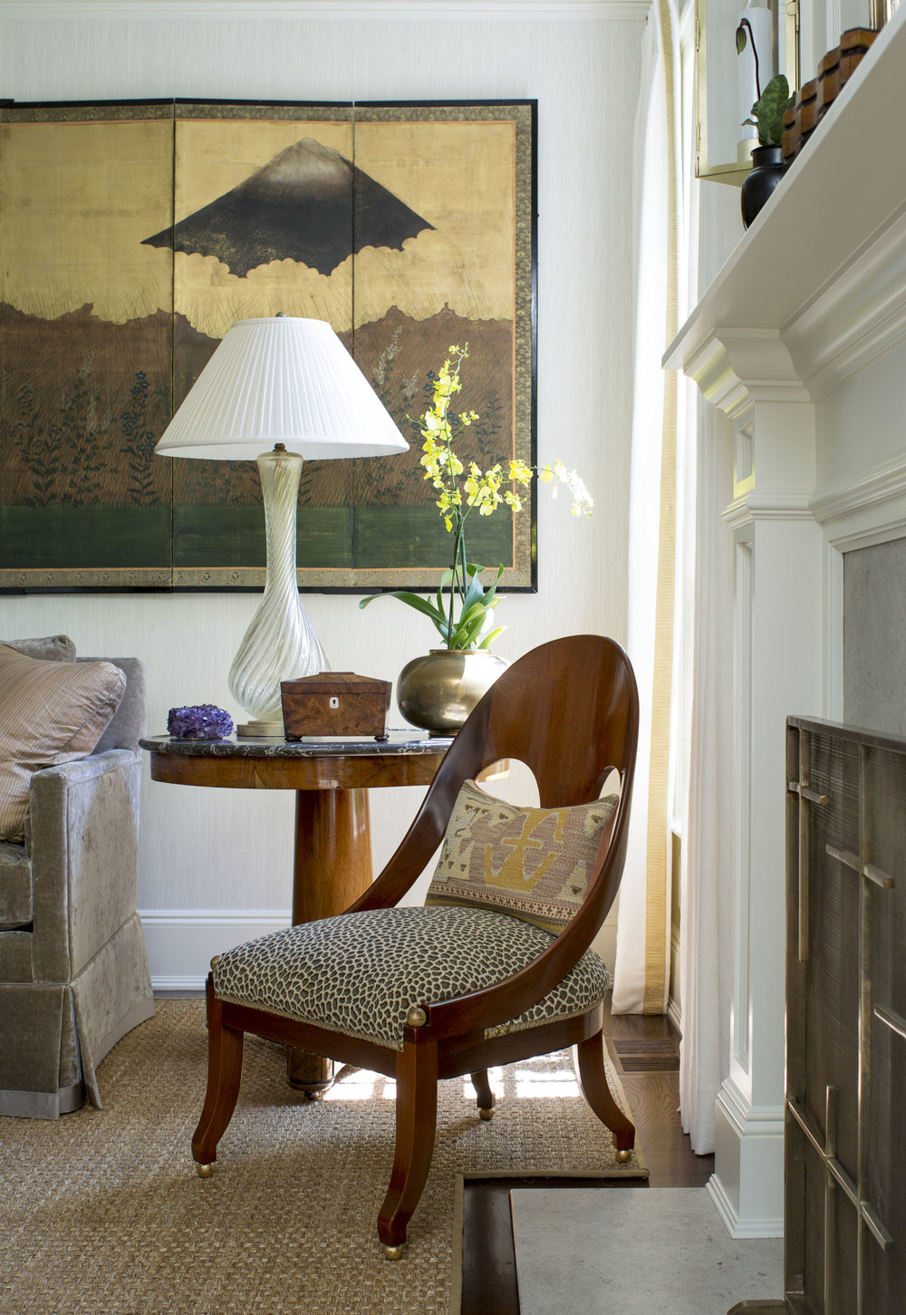 Y_Hilderbrand-Interiors_Living_Chair_64134_F.jpg