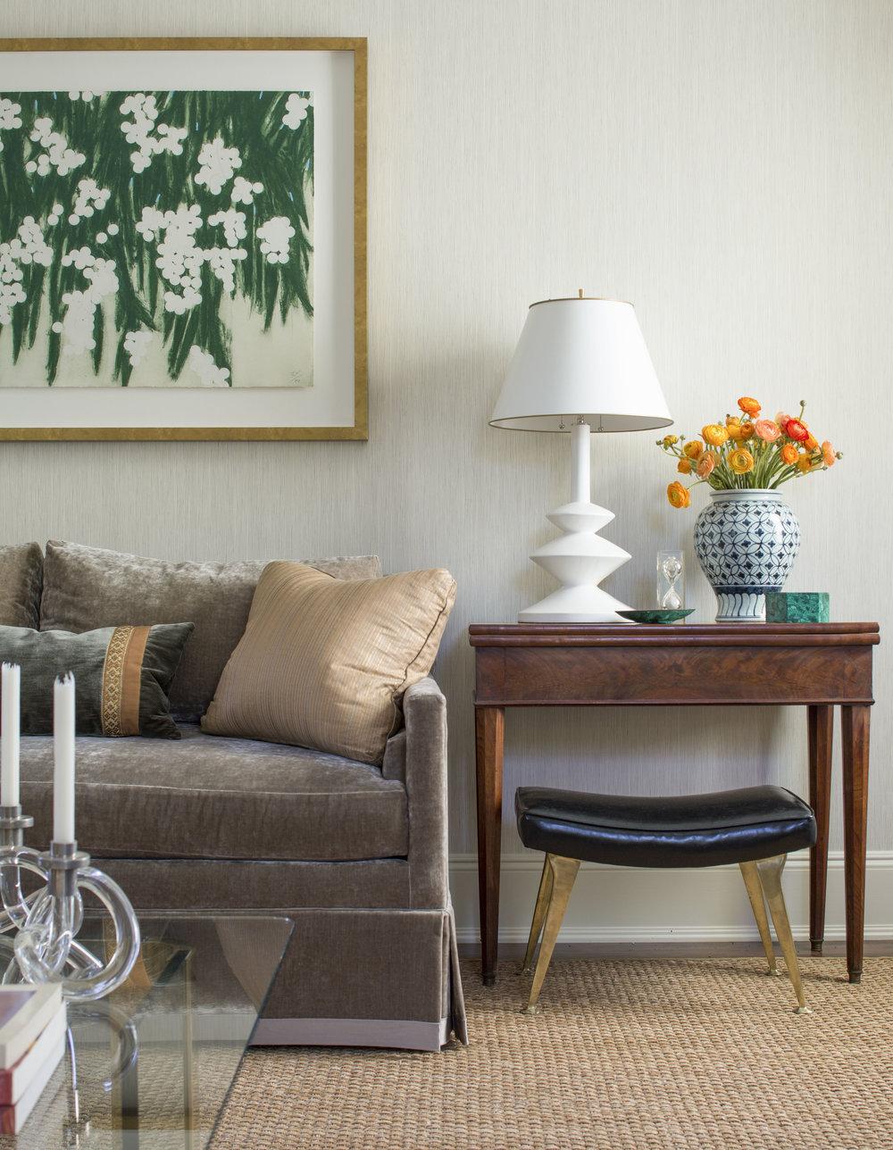 Z_Hilderbrand-Interiors_Living_Sofa_64196.jpg