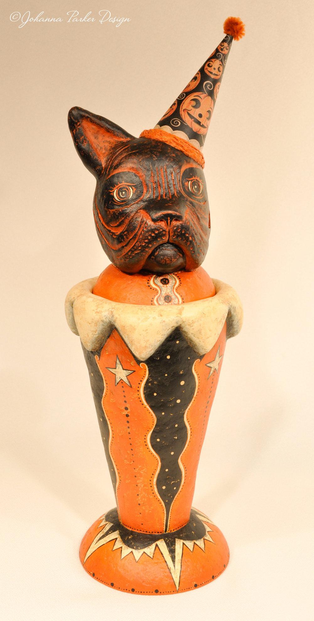 Bulldog halloween vase
