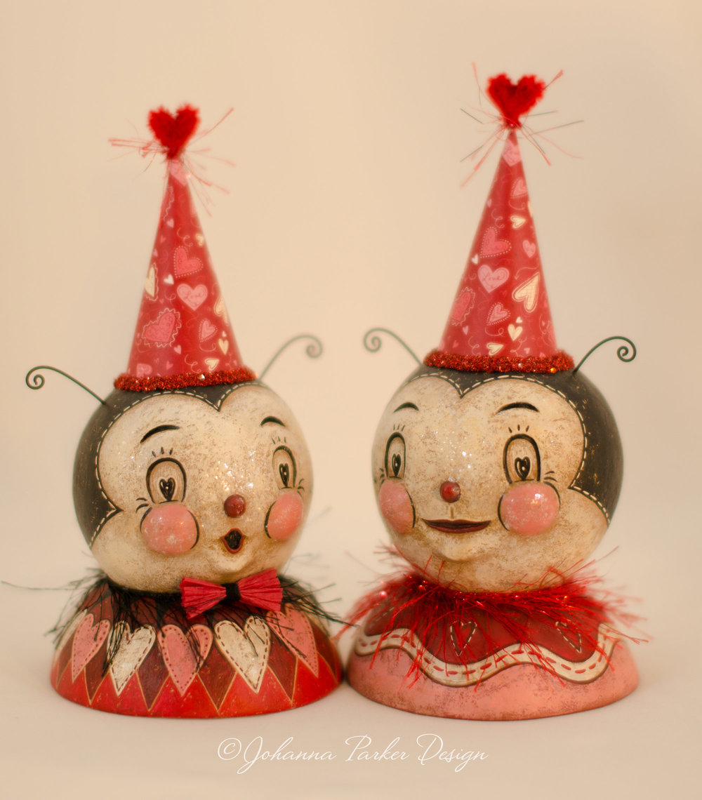 Love bug bust pair