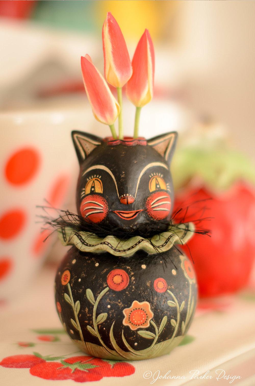 Black cat flower keeper